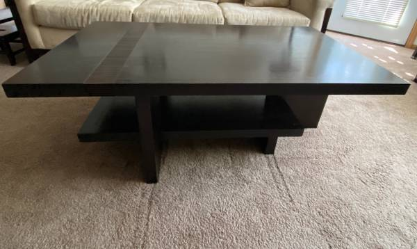 Photo American Signature Living Room Cocktail Table Hardwood - $170 (Saint Cloud)