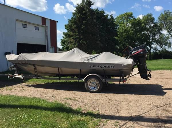 Photo Bass Tracker Pro Team 175 Fishing Boat, Trailer  Cover - $7,500 (Royalton)
