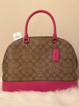 Photo Coach Signature Beige  Pink Handbag - NEVER USED - $80 (St Cloud, MN)
