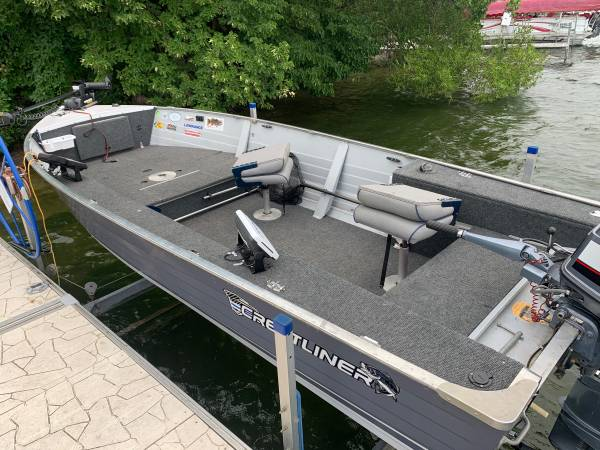 Photo Crestliner Fishing Boat - $5,400 (Alexandria)