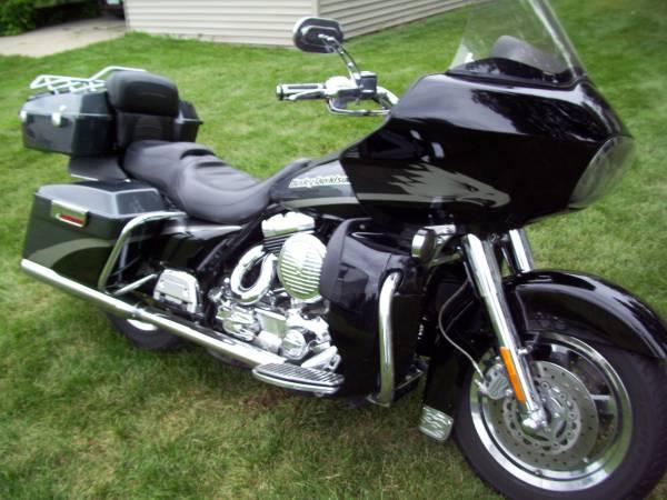 Photo Harley-Davidson Touring CVO Screaming Eagle Road Glide (FLTRSEI2) - $7,900 (Sauk Centre)