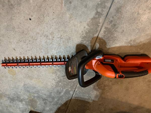 Photo Hedge trimmer and weed whil - $20 (Rice)