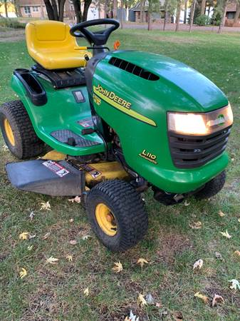 Photo John Deere L110 Lawn Mower - $325 (Clearlake)
