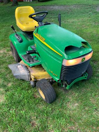 Photo John Deere LX277 Lawn Mower - $410 (Clearlake)