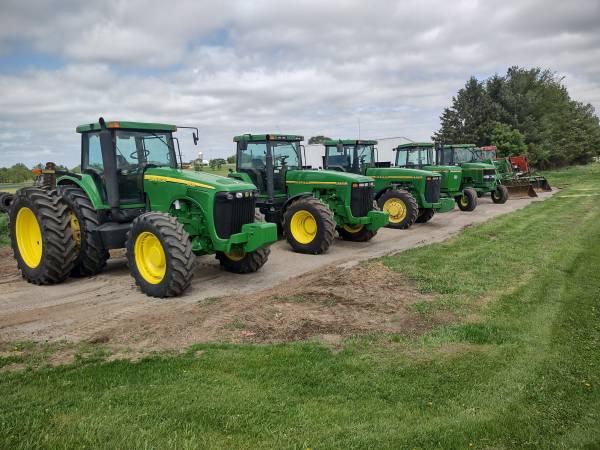 Photo John Deere Tractors - $1 (Little falls)