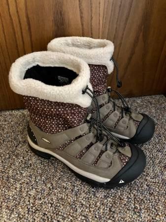 Photo Keen Womens Winterport II Winter Boots - $80 (Little Falls)