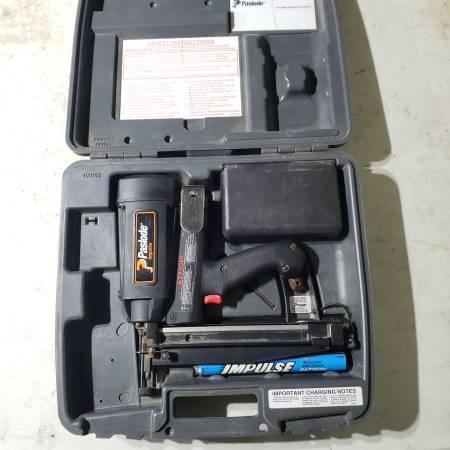 Photo Paslode Impulse Cordless Solid State Finish Nailer Nail Gun - $80 (St. Joseph)