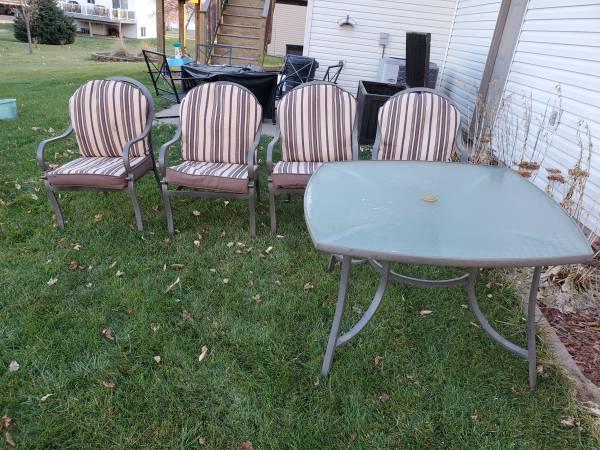 Photo Patio Set with Table - $50 (Sauk Rapids)