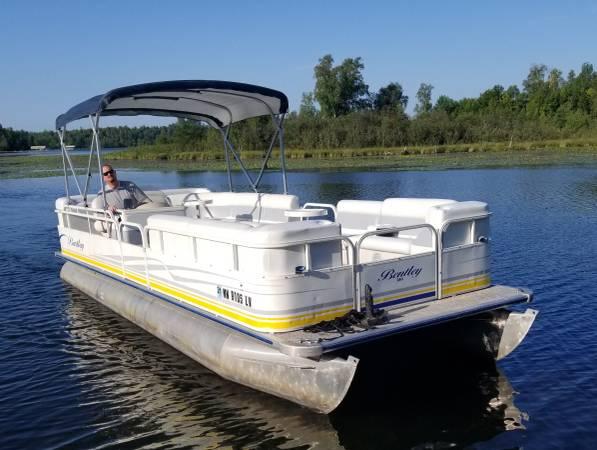 Photo Refurbished 2004 2439 BENTLEY Pontoon Boat w 75 HP EFI 4-STROKE Motor - $13900 (Remer, MN)