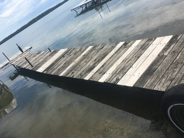 Photo Steel and wood dock (Rice Lake - near Paynesville)