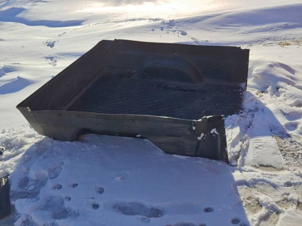 Photo Truck Bed Liner from 93 Chevy - $75 (Darwin)