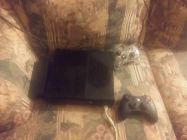Photo Xbox 360 bundle - $120 (Gaylord MN)