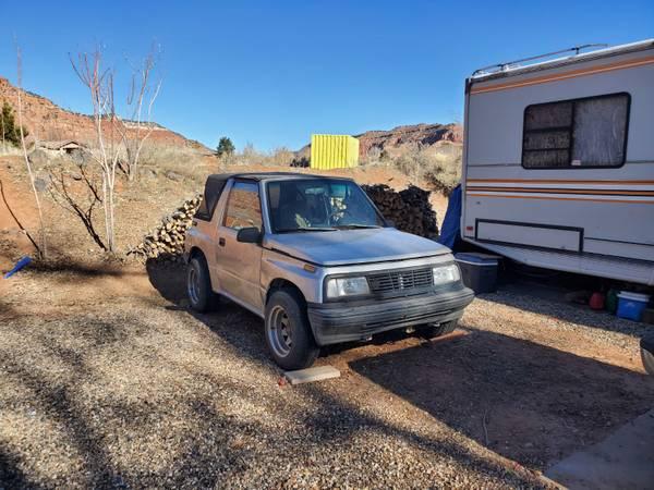 Photo 1993 Geo Tracker $1300 obo - $1300 (Kanab Utah)