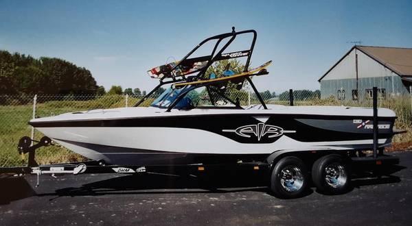 Photo 2000 Air Nautique 21 ft Boat - $26000 (Malad City)