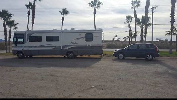 Photo 2000 Winnebago adventurer class A RV 2008 Honda tow car REDUCED - $17,000 (kanab,utah)