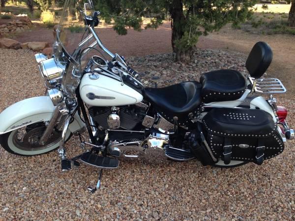 Photo 2004 Harley Heritage - $7,900 (Dammeron Valley)