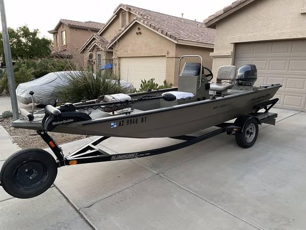 Photo 2012 Alumacraft MV1650AWCC Center Console Fishing Boat - $13,000 (Phoenix)