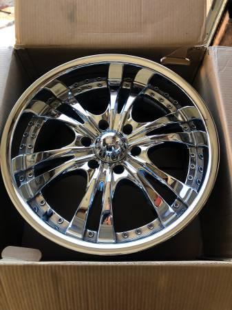 Photo 20 chrome wheels 6 lug Chevy Toyota Nissan ram - $600 (St George)