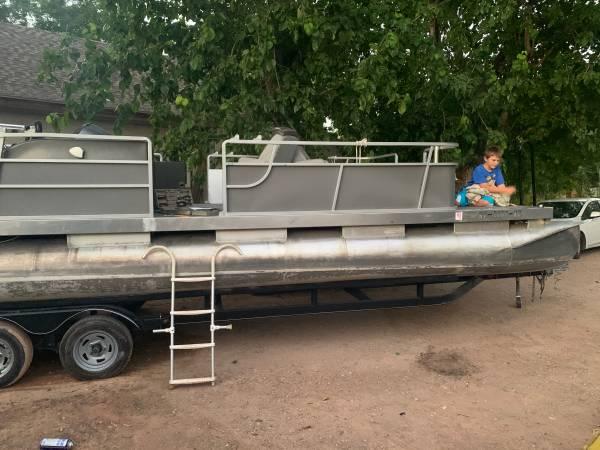 Photo 28 Pontoon Boat  Trailer (no motor) - $3,600 (LaVerkin)
