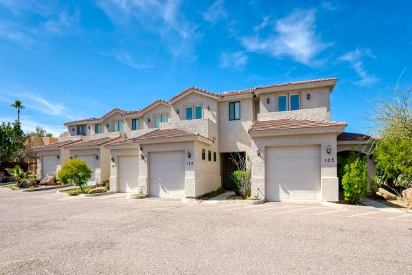 Photo 3-BR Townhome - Furnished (Fountain Hills)