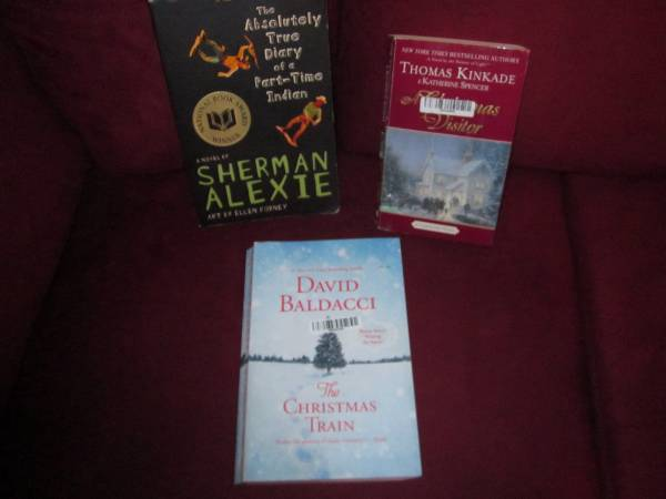 Photo Assorted books(including Christmas) and sheet music in great condition - $1 (ivins)
