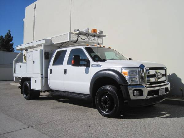 Photo Ford F-550 F550 Crew Cab Contractors Utility Flatbed Service Truck - $29,900 (ONLY 66k Miles Long Beach)