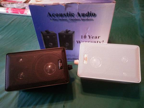 Photo New Indoor Outdoor speakers - $40 (Diamond Valley)