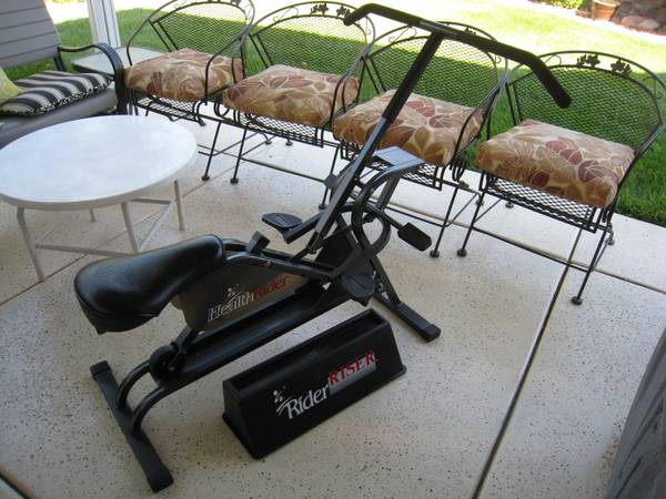 Photo Original HealthRider w Riser-Like new - $125 (st george)