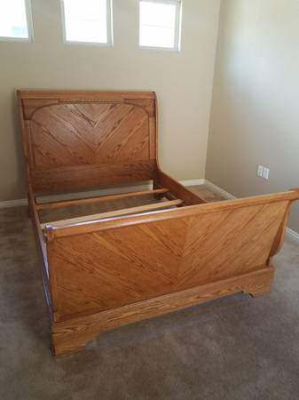 Photo Queen size sleigh bed - $150 (1959 Carolina Circle)