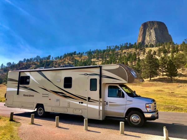 Photo RV Rental, Cer Rental  Motorhome Rental (Roadtriply - Las Vegas)