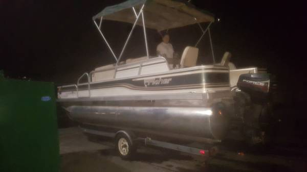 Photo Recently Reduced 1996 20-foot Fisher Pontoon boat - $7,000 (Phoenix)