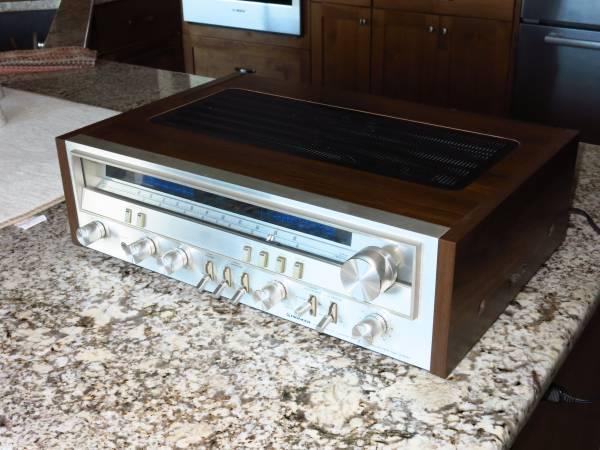 Photo Vintage Pioneer SX-3700 AMFM Stereo Receiver - $275 (Hurricane)