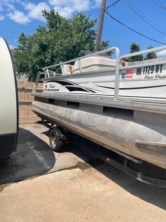 Photo 2008 pontoon bass boogie - $6,100 (25 hp Mercury 18 foot)