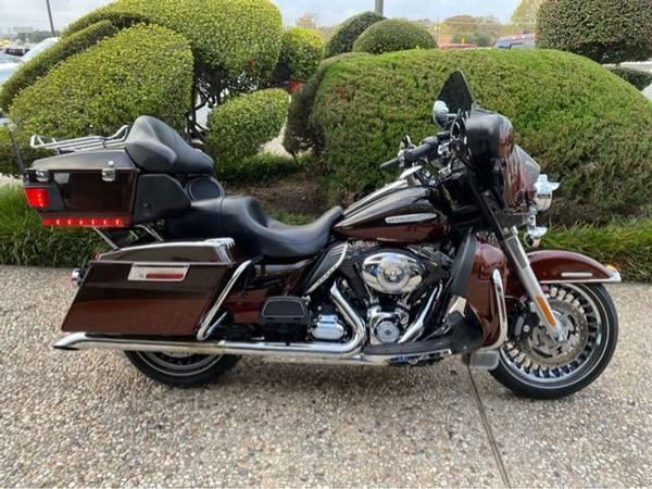 Photo 2011 Harley-Davidson FLHTK Electra Glide Ultra Ltd - $12,977 (Harley-Davidson FLHTK Electra Glide Ultra Ltd)