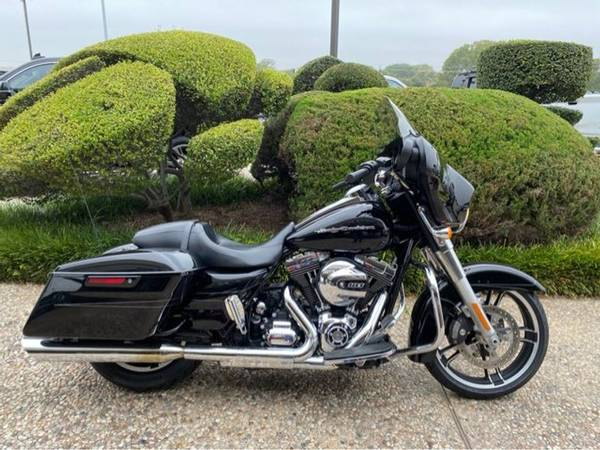 Photo 2016 Harley-Davidson FLHX Street Glide - $15,994 (Harley-Davidson FLHX Street Glide)