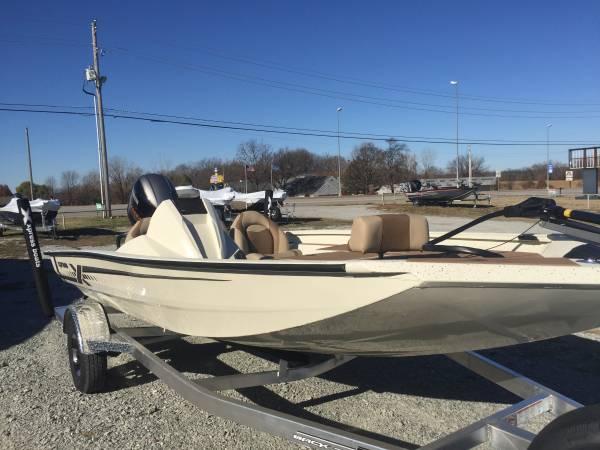 Photo 2021 Xpress H18 Bass Boat, Yamaha 115 Sho - $28,180 (Grove Ok)