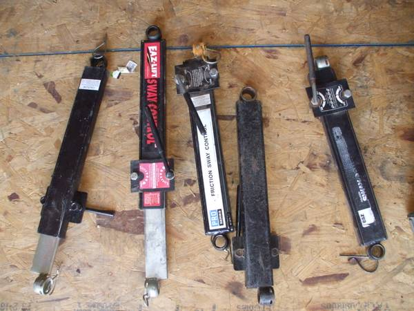 Photo EQUALIZER TOW HITCHXTRA PARTS OF quotALLquot KINDS  - $150 (1 blk North of StopliteMANNFORD)