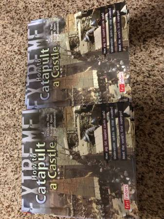 Photo HOW TO CATAPULT A CASTLE BOOKS - $10 (Moore)