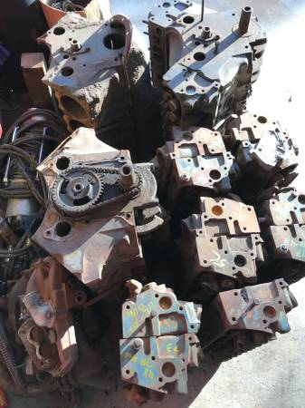Photo Pontiac engines and heads - $400