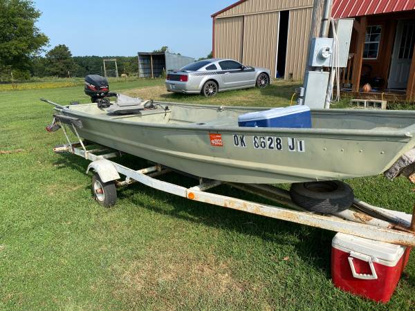 Photo Trade for a bigger boat or pontoon - $12,345 (Stigler)
