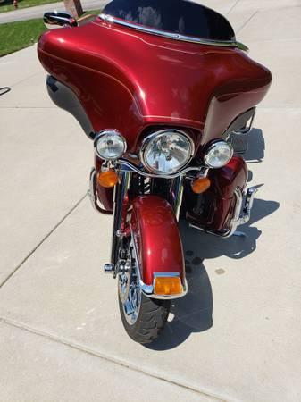 Photo Used 2010 Harley-Davidson Touring Motorcycle FLHTCU - Ultra Classic (L - $13,000 (Goddard)