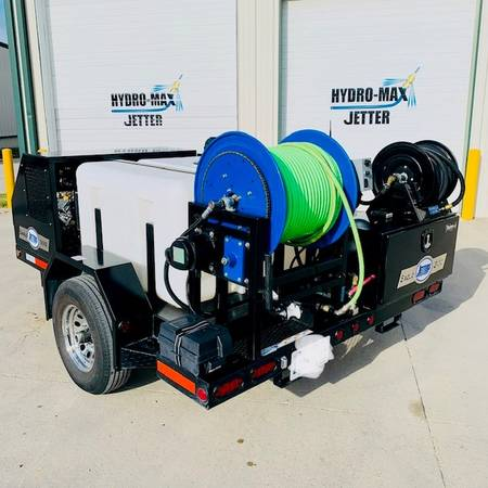 Photo Used HYDRO JETTER DEMO Units for SALE 4018 4000 PSI 50039 Hose Nozzles