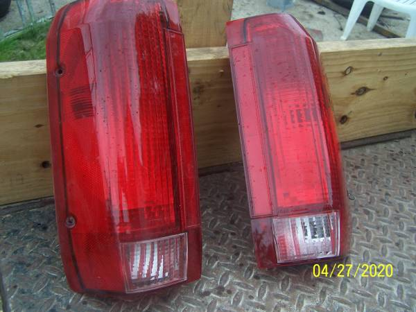 Photo tail light 95 f150 ford truck - $35 (Ponca City ok)