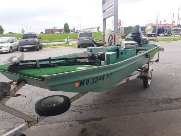 Photo 15 Foot Flat Bottom Boat - $1,000 (Weatherby)