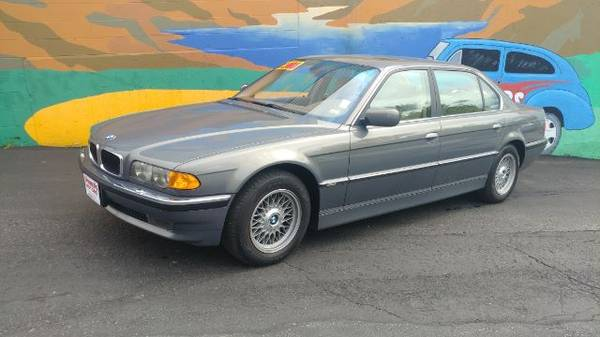 Photo 2001 BMW 7-Series 740iL CASH PRICE - $6500 (St. Joseph)