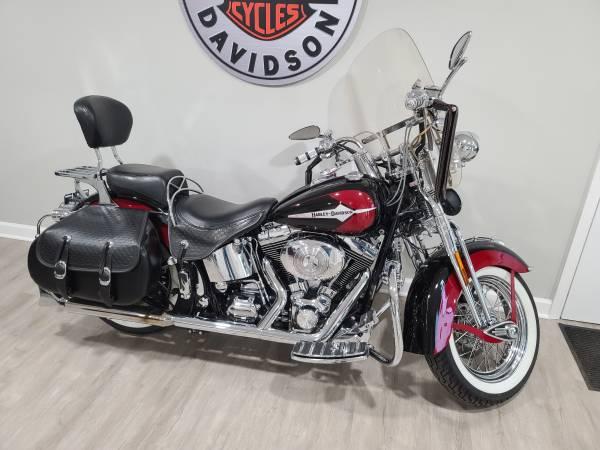 Photo 2002 Harley Davidson FLSTS Springer SUPER CLEAN AND NEEDS NOTHING - $14,500 (Harrisonville)