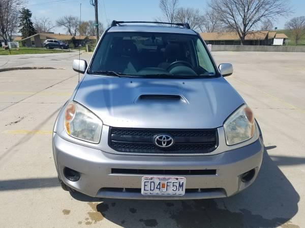 Photo 2004 Toyota Rav4 - $3500 (Craig, MO)