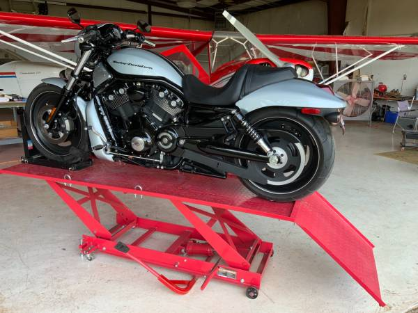 Photo 2011 Harley Davidson VRSCDX V-ROD - $13,000 (Mtn. View, ar)