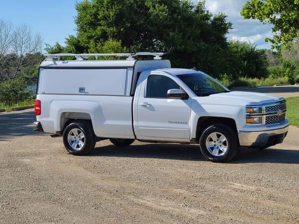 Photo 2015 CHEVY 1500 REGULAR CAB WORK TRUCK WITH UTILITY FIBERGLASS CAP - $15995 (Junction City)