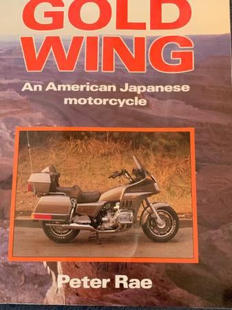 Photo HONDA GOLDWING AN AMERICAN JAPANESE MOTORCYCLE - $20 (Topeka)